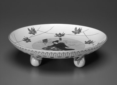 Josiah Wedgwood & Sons Ltd. (founded 1759). <em>Footed Dish</em>, ca. 1759-1900. Glazed earthenware with transfer printed decoration, height: 2 1/2 in. (6.3 cm). Brooklyn Museum, Gift of Paul F. Walter, 1993.209.52. Creative Commons-BY (Photo: Brooklyn Museum, 1993.209.52_side_bw.jpg)