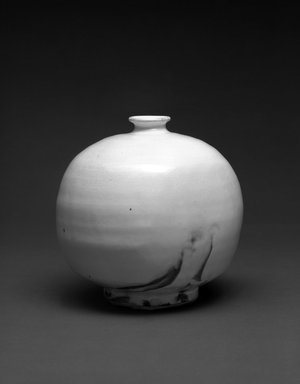 Yoshimura Masaya (Japanese, born 1938). <em>Flask</em>, 1988. Gray stoneware with white slip under translucent glaze, 7 1/16 x 7 1/8 in.  (17.9 x 18.1 cm). Brooklyn Museum, Purchase gift of Mr. and Mrs. Gregg FitzGerald, 1993.5. Creative Commons-BY (Photo: Brooklyn Museum, 1993.5_bw.jpg)