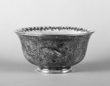 Daisy Makeig-Jones (English, 1881-1945). <em>Bowl</em>, 1915-1931. Porcelain, height: 2 in. (5.1 cm). Brooklyn Museum, Gift of Selma H. Rutenburg, 1993.75.3. Creative Commons-BY (Photo: Brooklyn Museum, 1993.75.3_bw.jpg)