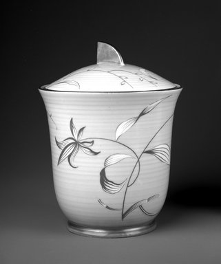 Arzberg Porzellanfabrik. <em>Covered Jar</em>, ca. 1930. Porcelain, 6 9/16 x 5 1/8 x 5 1/8 in. (16.7 x 13 x 13 cm). Brooklyn Museum, Gift of Jewel Stern, 1994.118a-b. Creative Commons-BY (Photo: Brooklyn Museum, 1994.118a-b_bw.jpg)