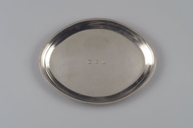 Reed & Barton (American, 1840-present). <em>Tray, Modernist Pattern, Part of a 4-Piece Set</em>, 1928-1929. Silver, 7/8 x 13 3/8 x 10 1/4 in. (2.2 x 34 x 26 cm). Brooklyn Museum, Gift of Daniel Morris and Denis Gallion, 1994.205.14. Creative Commons-BY (Photo: Brooklyn Museum, 1994.205.14.jpg)