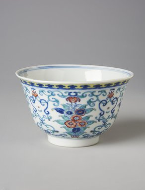 <em>Bowl</em>, 1821-1850. Porcelain, underglaze blue, and overglaze enamels, 2 1/2 x 4 1/8 in. (6.4 x 10.5 cm). Brooklyn Museum, Gift of Dr. Eleanor Z. Wallace in memory of her husband, Dr. Stanley L. Wallace, 1994.98. Creative Commons-BY (Photo: Brooklyn Museum, 1994.98_side_PS11.jpg)