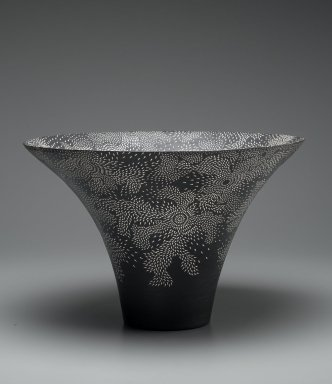 Kitamura Junko (Japanese, born 1956). <em>Vase</em>, 20th century. Stoneware, slip, glaze, 11 1/4 x 16 15/16 in. (28.5 x 43 cm). Brooklyn Museum, Gift of Dr. Eleanor Z. Wallace, 1995.189. Creative Commons-BY (Photo: Brooklyn Museum, 1995.189_PS2.jpg)