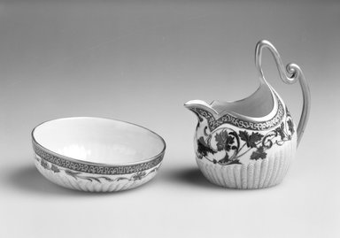 Ceramic Art Company. <em>Sugar Bowl from Creamer and Sugar Bowl</em>, ca. 1889-1896. Porcelain, height: 1 11/16 in. (4.2 cm). Brooklyn Museum, Purchased with funds given by the friends of Emma Lewis in her honor, 1995.92.2. Creative Commons-BY (Photo: , 1995.92.1_1995.92.2_bw.jpg)