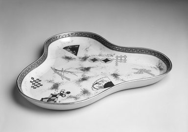 Richard Briggs & Co.. <em>Tray</em>, ca. 1875. Glazed earthenware, H: 1 x Diam: 10 1/2 in. (H: 2.5 x Diam: 26.7 cm). Brooklyn Museum, Gift of Catherine Kurland and Lori Zabar, 1996.139.3. Creative Commons-BY (Photo: Brooklyn Museum, 1996.139.3_bw.jpg)