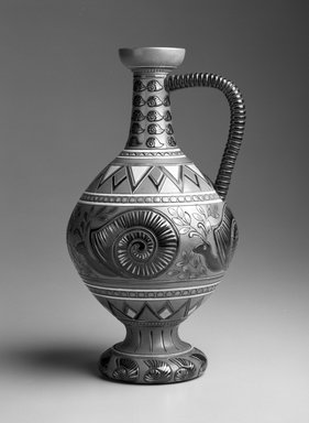 Sarreguemines et Cie. <em>Snail Vase</em>, ca. 1900. Glazed earthenware, H: 9 x Diam: 5 in. (H: 22.8 x Diam: 12.7 cm). Brooklyn Museum, Gift of Catherine Kurland and Lori Zabar, 1996.139.5. Creative Commons-BY (Photo: Brooklyn Museum, 1996.139.5_bw.jpg)