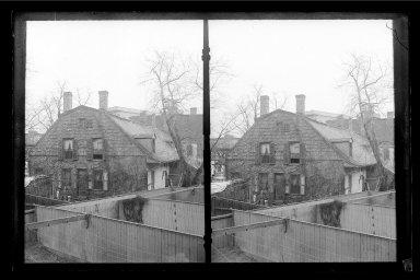 Daniel Berry Austin (American, born 1863, active 1899-1909). <em>Rem Lefferts House, Fulton Street opposite Arlington Place near Bedford, Brooklyn</em>, ca. 1899-1909. Gelatin silver glass dry plate negative, 4 1/4 x 6 1/2 in. (10.8 x 16.5 cm). Brooklyn Museum, Brooklyn Museum/Brooklyn Public Library, Brooklyn Collection, 1996.164.1-1 (Photo: Brooklyn Museum, 1996.164.1-1_IMLS_SL2.jpg)