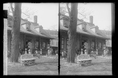 Daniel Berry Austin (American, born 1863, active 1899-1909). <em>Rem Lefferts House, Distance, Fulton Street opposite Arlington Place near Bedford, Brooklyn</em>, ca. 1899-1909. Gelatin silver glass dry plate negative Brooklyn Museum, Brooklyn Museum/Brooklyn Public Library, Brooklyn Collection, 1996.164.1-2 (Photo: Brooklyn Museum, 1996.164.1-2_IMLS_SL2.jpg)