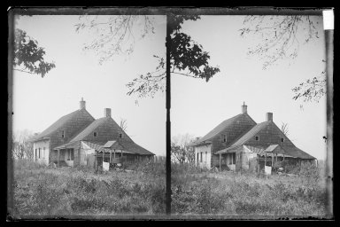 Daniel Berry Austin (American, born 1863, active 1899-1909). <em>John Ryder House, Near View, Foliage, Ryder's Lane and Avenue S, Brooklyn (Oldest Ryder House)</em>, ca. 1899-1909. Gelatin silver glass dry plate negative Brooklyn Museum, Brooklyn Museum/Brooklyn Public Library, Brooklyn Collection, 1996.164.1-83 (Photo: Brooklyn Museum, 1996.164.1-83_IMLS_SL2.jpg)