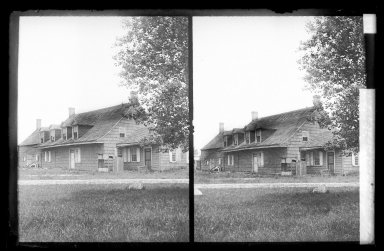 Daniel Berry Austin (American, born 1863, active 1899-1909). <em>Bergen House, Front, Bergen Beach, Flatlands, Brooklyn</em>, ca. 1899-1909. Gelatin silver glass dry plate negative Brooklyn Museum, Brooklyn Museum/Brooklyn Public Library, Brooklyn Collection, 1996.164.1-94 (Photo: Brooklyn Museum, 1996.164.1-94_IMLS_SL2.jpg)