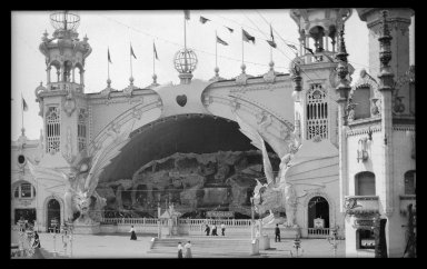Eugene Wemlinger. <em>Luna Park, Coney Island</em>, 1906. Cellulose nitrate negative, 5 3/4 x 3 1/2 in. (14.6 x 8.9 cm). Brooklyn Museum, Brooklyn Museum/Brooklyn Public Library, Brooklyn Collection, 1996.164.10-18 (Photo: Brooklyn Museum, 1996.164.10-18_IMLS_SL2.jpg)