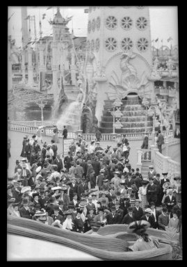 Eugene Wemlinger. <em>Luna Park, Coney Island</em>, 1909. Cellulose nitrate negative, 3 1/2 x 5 1/2 in. (8.9 x 14 cm). Brooklyn Museum, Brooklyn Museum/Brooklyn Public Library, Brooklyn Collection, 1996.164.10-21 (Photo: Brooklyn Museum, 1996.164.10-21_IMLS_SL2.jpg)