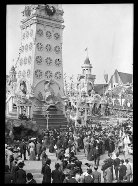 Eugene Wemlinger. <em>Luna Park</em>, 1909. Cellulose nitrate negative Brooklyn Museum, Brooklyn Museum/Brooklyn Public Library, Brooklyn Collection, 1996.164.10-22 (Photo: Brooklyn Museum, 1996.164.10-22_IMLS_SL2.jpg)