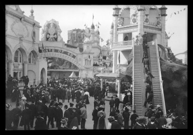 Eugene Wemlinger. <em>Luna Park, Coney Island</em>, 1909. Cellulose nitrate negative, 3 1/2 x 5 1/2 in. (8.9 x 14 cm). Brooklyn Museum, Brooklyn Museum/Brooklyn Public Library, Brooklyn Collection, 1996.164.10-23 (Photo: Brooklyn Museum, 1996.164.10-23_IMLS_SL2.jpg)