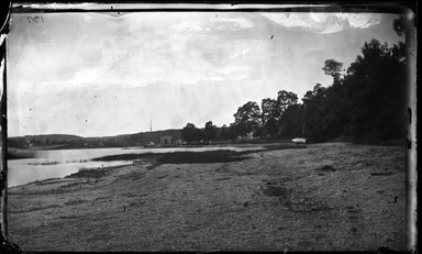 George Bradford Brainerd (American, 1845-1887). <em>West Shore, Centerport, Long Island</em>, ca. 1872-1887. Collodion silver glass wet plate negative Brooklyn Museum, Brooklyn Museum/Brooklyn Public Library, Brooklyn Collection, 1996.164.2-137 (Photo: Brooklyn Museum, 1996.164.2-137_glass_bw_SL4.jpg)