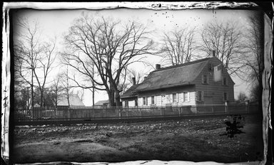 George Bradford Brainerd (American, 1845-1887). <em>Jeremiah Lott House, Flatbush, Brooklyn</em>, ca. 1872-1887. Collodion silver glass wet plate negative Brooklyn Museum, Brooklyn Museum/Brooklyn Public Library, Brooklyn Collection, 1996.164.2-151 (Photo: Brooklyn Museum, 1996.164.2-151_glass_bw_SL4.jpg)