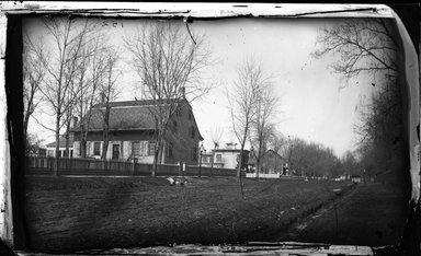 George Bradford Brainerd (American, 1845-1887). <em>Schoonmarker House, Flatbush, Brooklyn</em>, ca. 1872-1887. Collodion silver glass wet plate negative Brooklyn Museum, Brooklyn Museum/Brooklyn Public Library, Brooklyn Collection, 1996.164.2-152 (Photo: Brooklyn Museum, 1996.164.2-152_glass_bw_SL4.jpg)
