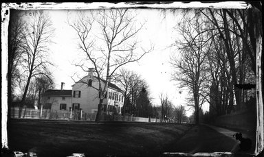 George Bradford Brainerd (American, 1845-1887). <em>Martense House, Flatbush, Brooklyn</em>, ca. 1872-1887. Collodion silver glass wet plate negative Brooklyn Museum, Brooklyn Museum/Brooklyn Public Library, Brooklyn Collection, 1996.164.2-153 (Photo: Brooklyn Museum, 1996.164.2-153_glass_bw_SL4.jpg)
