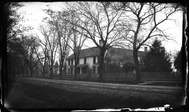 George Bradford Brainerd (American, 1845-1887). <em>Bergen House, Flatbush, Brooklyn</em>, 1877. Collodion silver glass wet plate negative Brooklyn Museum, Brooklyn Museum/Brooklyn Public Library, Brooklyn Collection, 1996.164.2-174 (Photo: Brooklyn Museum, 1996.164.2-174_glass_bw_SL4.jpg)