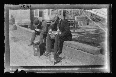 George Bradford Brainerd (American, 1845-1887). <em>Tin Ware Men, Brooklyn</em>, ca. 1872-1887. Collodion silver glass wet plate negative Brooklyn Museum, Brooklyn Museum/Brooklyn Public Library, Brooklyn Collection, 1996.164.2-1824 (Photo: Brooklyn Museum, 1996.164.2-1824_glass_IMLS_SL2.jpg)
