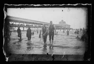 George Bradford Brainerd (American, 1845-1887). <em>Bathers, Steel Pier, Coney Island, Brooklyn</em>, ca. 1885. Dry negative plate Brooklyn Museum, Brooklyn Museum/Brooklyn Public Library, Brooklyn Collection, 1996.164.2-2106 (Photo: Brooklyn Museum, 1996.164.2-2106_glass_IMLS_SL2.jpg)