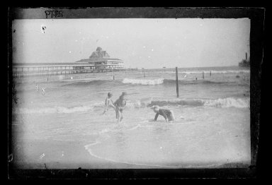 George Bradford Brainerd (American, 1845-1887). <em>Little Wader and View of Iron Pier, Coney Island, Brooklyn</em>, 1885. Dry negative plate Brooklyn Museum, Brooklyn Museum/Brooklyn Public Library, Brooklyn Collection, 1996.164.2-2119 (Photo: Brooklyn Museum, 1996.164.2-2119_glass_IMLS_SL2.jpg)