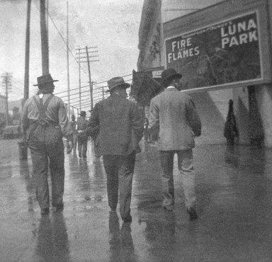 H.S. Lewis. <em>Surf Avenue, Coney Island</em>, 1904. negative Brooklyn Museum, Brooklyn Museum/Brooklyn Public Library, Brooklyn Collection, 1996.164.5-3 (Photo: Brooklyn Museum, 1996.164.5-3_bw_SL1.jpg)