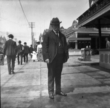 H.S. Lewis. <em>Luna Park</em>, 1902. Negative Brooklyn Museum, Brooklyn Museum/Brooklyn Public Library, Brooklyn Collection, 1996.164.5-5 (Photo: Brooklyn Museum, 1996.164.5-5_SL4.jpg)