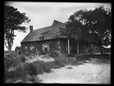 Dr. George S. Ogden (American, active 1900-1915). <em>Schenck House, North Side</em>, July 1914. Gelatin silver glass dry plate negative Brooklyn Museum, Brooklyn Museum/Brooklyn Public Library, Brooklyn Collection, 1996.164.6-10 (Photo: Brooklyn Museum, 1996.164.6-10_SL1.jpg)