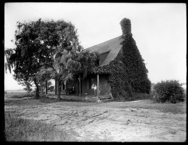 Dr. George S. Ogden (American, active 1900-1915). <em>Schenck House, Built 1656</em>, July 1914. Gelatin silver glass dry plate negative Brooklyn Museum, Brooklyn Museum/Brooklyn Public Library, Brooklyn Collection, 1996.164.6-13 (Photo: Brooklyn Museum, 1996.164.6-13_SL1.jpg)