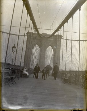 Edgar S. Thomson (American, active 1890s-1900s). <em>Brooklyn Bridge</em>, 1895. Glass plate negative, 4 x 5 in. (10.2 x 12.7 cm). Brooklyn Museum, Brooklyn Museum/Brooklyn Public Library, Brooklyn Collection, 1996.164.7-20 (Photo: Brooklyn Museum, 1996.164.7-20_glass_SL1.jpg)