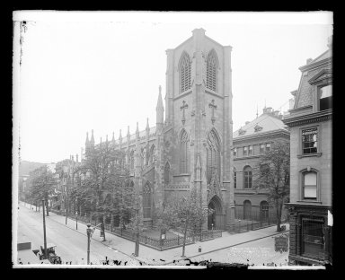 Irving Underhill (American, 1872-1960). <em>Church of the Holy Trinity, Clinton and Montague Streets, Brooklyn</em>, ca. 1896-1950. Gelatin silver glass dry plate negative Brooklyn Museum, Brooklyn Museum/Brooklyn Public Library, Brooklyn Collection, 1996.164.8-B16645. © artist or artist's estate (Photo: Brooklyn Museum, 1996.164.8-B16645_glass_IMLS_SL2.jpg)