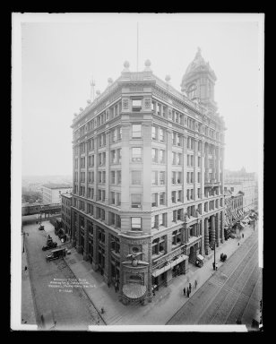 Irving Underhill (American, 1872-1960). <em>Brooklyn Eagle Building, Washington and Johnson Streets, Brooklyn</em>, ca. 1896-1950. Gelatin silver glass dry plate negative Brooklyn Museum, Brooklyn Museum/Brooklyn Public Library, Brooklyn Collection, 1996.164.8-B16646. © artist or artist's estate (Photo: Brooklyn Museum, 1996.164.8-B16646_glass_IMLS_SL2.jpg)