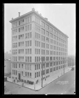 Irving Underhill (American, 1872-1960). <em>Turner Carter Building, 410 Willoughby Avenue, Brooklyn</em>, ca. 1896-1950. Gelatin silver glass dry plate negative Brooklyn Museum, Brooklyn Museum/Brooklyn Public Library, Brooklyn Collection, 1996.164.8-B19276. © artist or artist's estate (Photo: Brooklyn Museum, 1996.164.8-B19276_glass_IMLS_SL2.jpg)