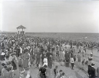 Irving Underhill (American, 1872-1960). <em>Coney Island Bathers</em>, 1913. Gelatin dry glass plate negative, 8 x 10 in. (20.3 x 25.4 cm). Brooklyn Museum, Brooklyn Museum/Brooklyn Public Library, Brooklyn Collection, 1996.164.8-B20055. © artist or artist's estate (Photo: Brooklyn Museum, 1996.164.8-B20055_glass_SL1.jpg)