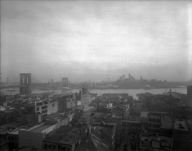Irving Underhill (American, 1872-1960). <em>Brooklyn Bridge</em>, 1931. Glass plate negative, 11 x 14 in. (27.9 x 35.6 cm). Brooklyn Museum, Brooklyn Museum/Brooklyn Public Library, Brooklyn Collection, 1996.164.8-C20641. © artist or artist's estate (Photo: Brooklyn Museum, 1996.164.8-C20641_glass_bw_SL1.jpg)