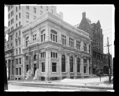 Irving Underhill (American, 1872-1960). <em>Dime Savings Bank, Brooklyn</em>, 1903. Gelatin silver glass dry plate negative Brooklyn Museum, Brooklyn Museum/Brooklyn Public Library, Brooklyn Collection, 1996.164.8-C849 (93). © artist or artist's estate (Photo: Brooklyn Museum, 1996.164.8-C849_glass_IMLS_SL2.jpg)
