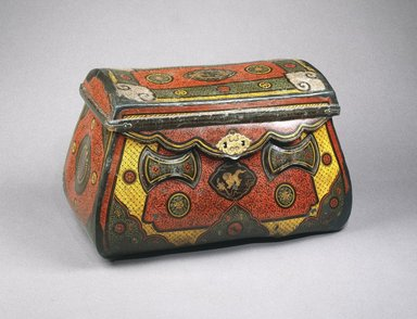 <em>Traveling Coffer</em>, ca. 1250-1290. Lacquer over leather, bamboo, wood, with metal mounts, 17 1/4 x 29 x 16 1/4 in. (43.8 x 73.7 x 41.3 cm). Brooklyn Museum, Gift of the Asian Art Council, 1996.68. Creative Commons-BY (Photo: Brooklyn Museum, 1996.68_SL1.jpg)