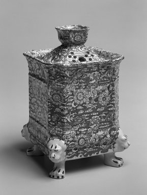 Mason. <em>Potpourri and Double Lid</em>, ca. 1895. Ironstone, 8 1/2 x 5 1/2 in.  (21.6 x 14 cm). Brooklyn Museum, Gift of Mrs. William Liberman, 1996.85.8a-c. Creative Commons-BY (Photo: Brooklyn Museum, 1996.85.8a-c_bw.jpg)
