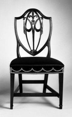 <em>Side Chair</em>, ca. 1800. Mahogany, red gum, ash secondary wood, modern horsehair upholstery, brass tacks, 39 1/4 x 21 1/4 x 18 1/2 in. (99.69 x 53.97 x 46.99 cm). Brooklyn Museum, Matthew Scott Sloan Collection, Gift of Lidie Lane Sloan McBurney, 1997.150.7. Creative Commons-BY (Photo: Brooklyn Museum, 1997.150.7_bw_IMLS.jpg)
