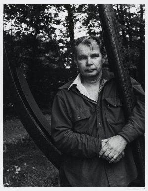 Arthur Mones (American, 1919-1998). <em>Richard Stankiewicz</em>, 1980. Gelatin silver photograph, sheet: 14 x 10 3/4 in. (35.6 x 27.2 cm). Brooklyn Museum, Gift of the artist, 1997.162.12. © artist or artist's estate (Photo: Brooklyn Museum, 1997.162.12_PS4.jpg)