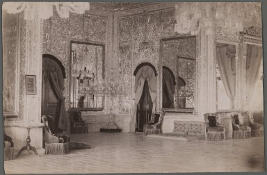 <em>[Untitled], One of 274 Vintage Photographs</em>, late 19th-early 20th century. Photograph, 4 3/16 x 6 7/16 in. (10.7 x 16.3 cm). Brooklyn Museum, Purchase gift of Leona Soudavar in memory of Ahmad Soudavar, 1997.3.150 (Photo: Brooklyn Museum, 1997.3.150_IMLS_PS3.jpg)