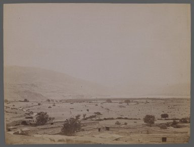 <em>[Untitled], One of 274 Vintage Photographs</em>, late 19th-early 20th century. Photograph, 6 1/8 x 8 3/16 in. (15.5 x 20.8 cm). Brooklyn Museum, Purchase gift of Leona Soudavar in memory of Ahmad Soudavar, 1997.3.165 (Photo: Brooklyn Museum, 1997.3.165_IMLS_PS3.jpg)