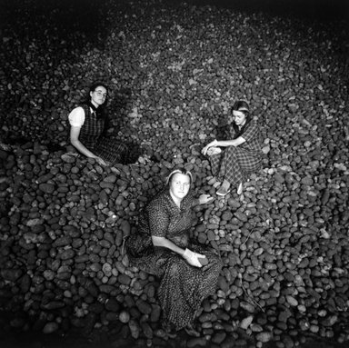 Kristin Capp (American, born 1964). <em>Potato Harvest, Washington, from The Graven Image Series, Huttertite Work</em>, 1994. Gelatin silver photograph, image: 13 3/4 x 13 3/4 in. (34.8 x 34.8 cm). Brooklyn Museum, Purchased with funds given by Karen B. Cohen, 1997.49.2. © artist or artist's estate (Photo: Brooklyn Museum, 1997.49.2_bw.jpg)