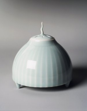 Yagi Akira (Japanese, born 1955). <em>Ribbed Censer (Shinogi Koro) with Small Cover</em>, 1994. Porcelain with seihakuji glaze, 4 1/2 x 4 3/8 in. (11.4 x 11.1 cm). Brooklyn Museum, Gift of Dr. Eleanor Z. Wallace in memory of her husband, Dr. Stanley L. Wallace, 1998.135a-b. Creative Commons-BY (Photo: Brooklyn Museum, 1998.135a-b_transp6300.jpg)