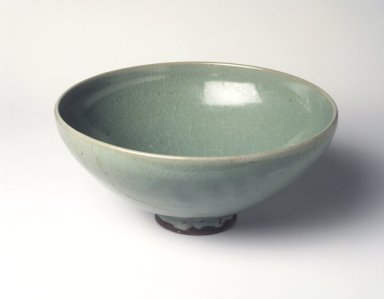 <em>Junyao Bowl</em>, 12th-13th century. Stoneware with green glaze, 4 x 9 3/16 in. (10.2 x 23.3 cm). Brooklyn Museum, Gift of Diane H. Schafer, 1998.15. Creative Commons-BY (Photo: Brooklyn Museum, 1998.15_transp6301.jpg)