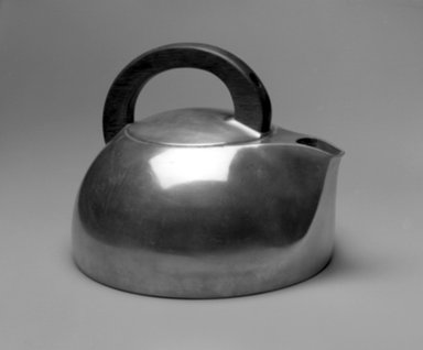John Gordon Rideout (American, 1898-1951). <em>Water Kettle</em>, ca. 1940. Magnalite metal, wood, 8 1/4 x 10 3/4 x 9 7/8 in. (21 x 27.3 x 25.1 cm). Brooklyn Museum, Gift of Eric and Nannette Brill, 1998.184. Creative Commons-BY (Photo: Brooklyn Museum, 1998.184_bw.jpg)