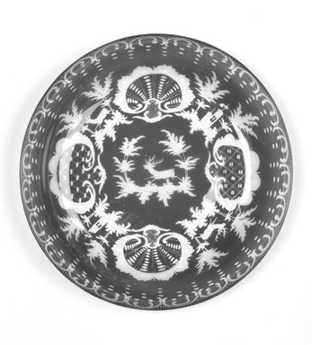 <em>Dish</em>, ca. 19th century. Glass, 1 x 9 x 9 in.  (2.4 x 12.9 x 12.9 cm). Brooklyn Museum, Gift of Hattie Forgang, 1998.92.3. Creative Commons-BY (Photo: Brooklyn Museum, 1998.92.3_bw.jpg)