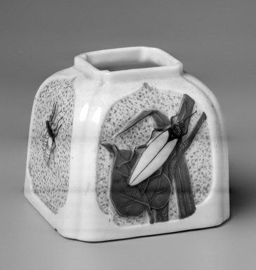 Worcester Royal Porcelain Co. (founded 1751). <em>Inkwell or Vase</em>, ca. 1879. Porcelain, 2 3/4 x 3 1/4 x 3 1/4 in.  (7.0 x 8.3 x 8.3 cm). Brooklyn Museum, Gift of Allen and Sydell Glass in memory of Harvey E. Kates, 1998.93.4. Creative Commons-BY (Photo: Brooklyn Museum, 1998.93.4_bw.jpg)