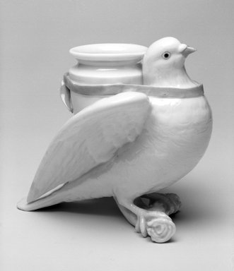 Worcester Royal Porcelain Co. (founded 1751). <em>Dove Vase</em>, 1867. Porcelain, 5 7/8 x 6 1/4 x 4 3/4 in. (14.9 x 15.9 x 12.1 cm). Brooklyn Museum, Gift of the Estate of Harold S. Keller, 1999.152.313. Creative Commons-BY (Photo: , 1999.152.313_bw.jpg)